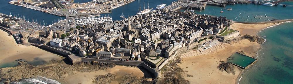 saint-malo intra-muros en vue aérienne